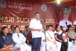 Topang Perayaan Cap Meh Walikota Vicky Lumentut Janji Bangun Tribun