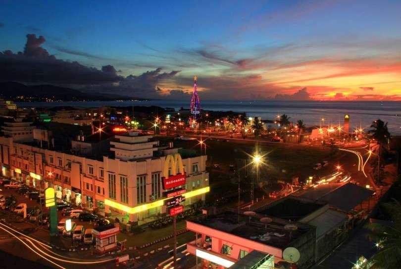 Jalan Manado Mari Bersantai Kulineran Boulevard Kawasan Kota