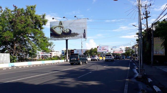 Jalan Piere Tendean Kota Manado Terlihat Sepi Tribun Kawasan Boulevard