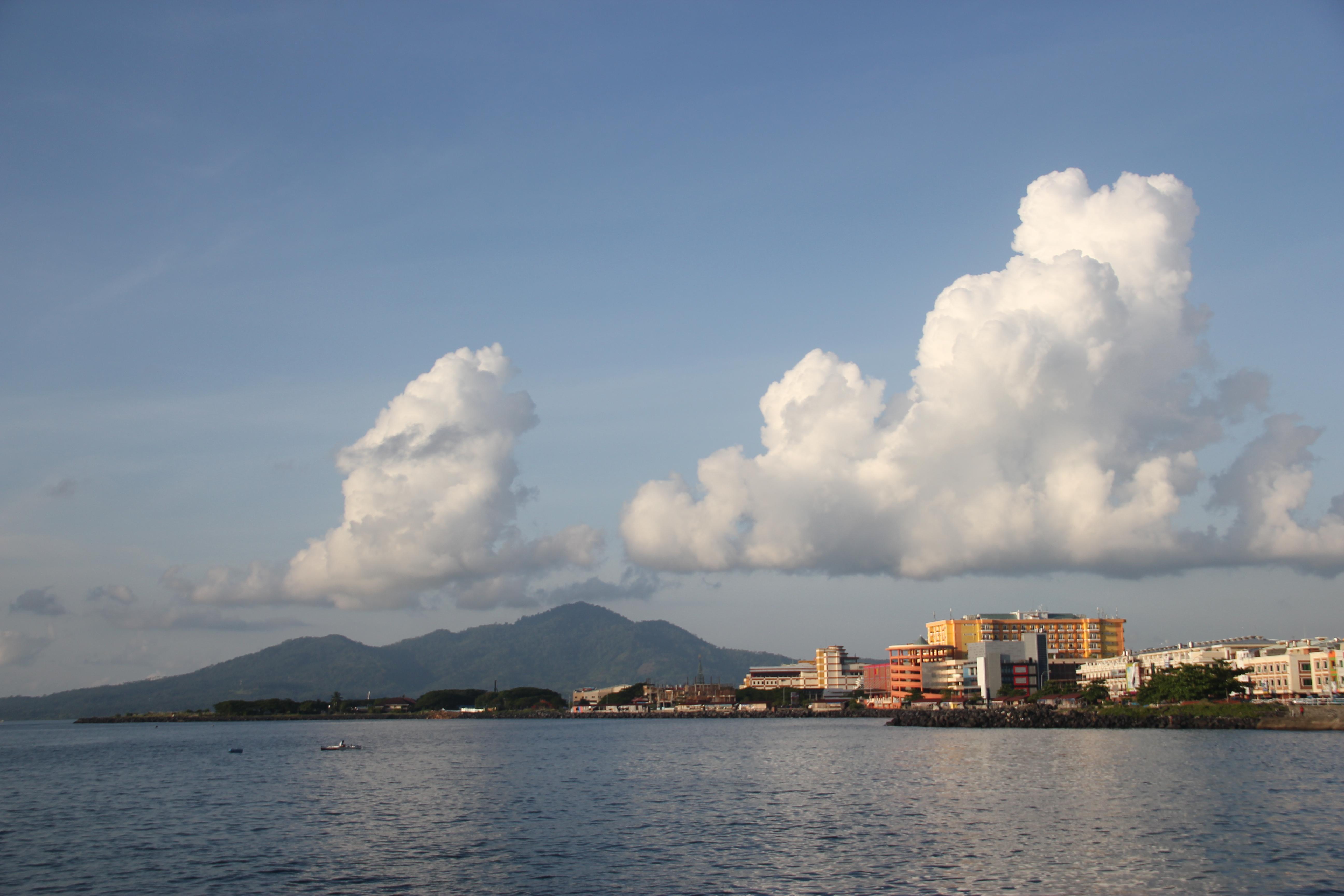 Kongkow Pantai Boulevard Dipantara Dok Pri Kawasan Kota Manado