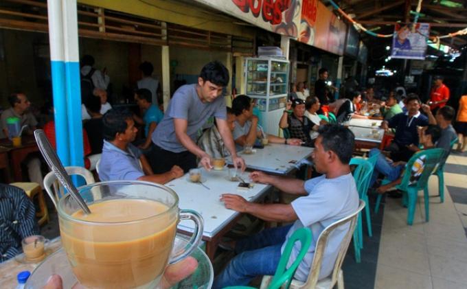 Kota Manado Ketambahan Satu Lokasi Wisata Kuliner Tribun Kawasan Boulevard