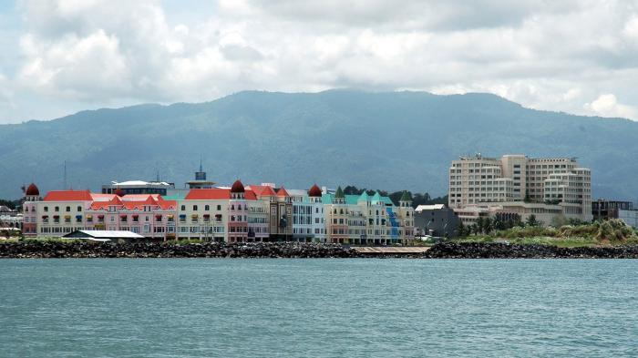 Pesona Kawasan Boulevard Kota Manado Pemerintah