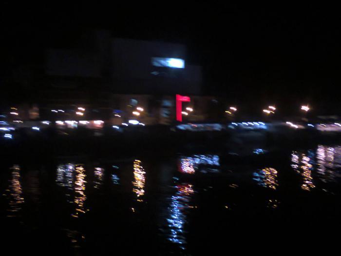 Suasana Malam Kawasan Boulevard Manado Oleh Johanis Malingkas Hotel Lion