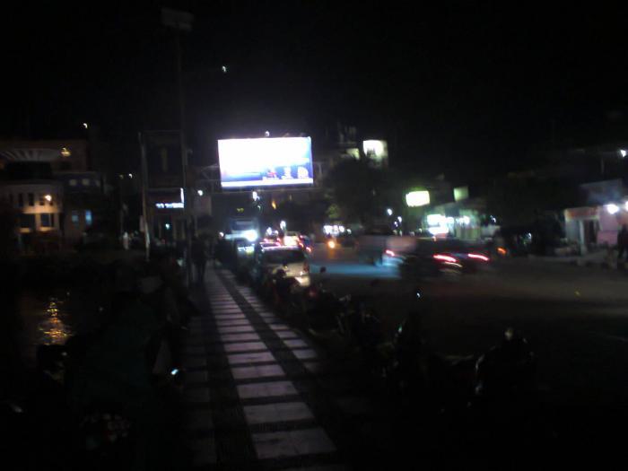 Suasana Malam Kawasan Boulevard Manado Oleh Johanis Malingkas Jalan Sumber