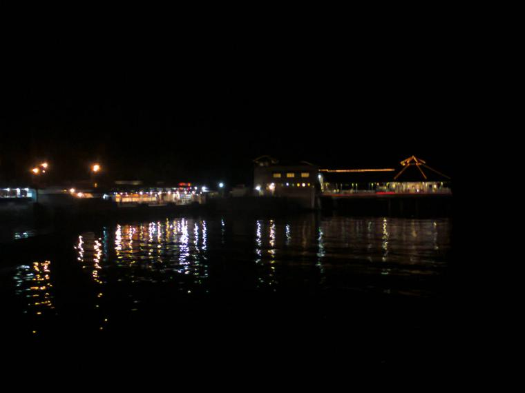 Suasana Malam Kawasan Boulevard Manado Oleh Johanis Malingkas Kota