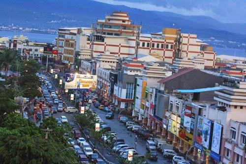 Wisata Belanja Manado Sulawesi Utara Kawasan Boulevard Kota