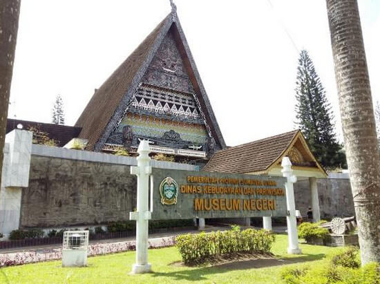 10 Tempat Wisata Manado Penuh Pesona Museum Negeri Sulawesi Utara