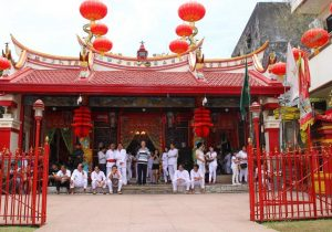 Daftar Objek Tempat Wisata Terindah Manado Provinsi Sulawesi Kampung Cina