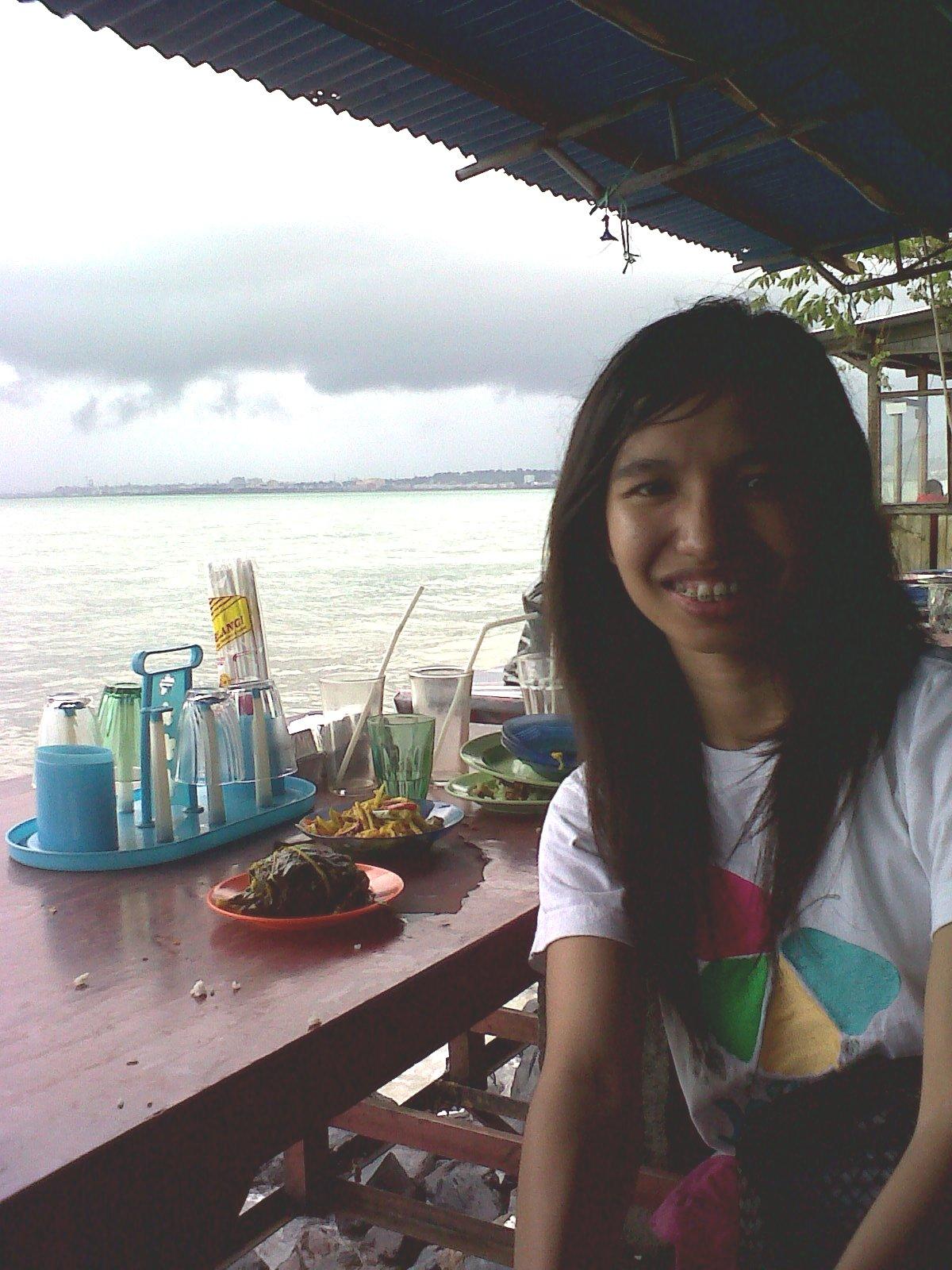 Berkunjung Manado Daily Dev Makan Pinggir Pantai Malalayang Kota Ciri