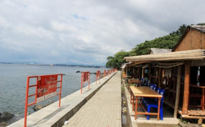 Berwisata Pantai Malalayang Rizaardiyanto Id Kota Manado