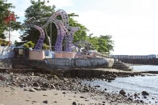 Keunikan Tugu Boboca Pantai Malalayang Tribun Manado Kota