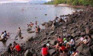 Pantai Malalayang Manado Sulawesi Utara Bali Backpacker Batu Hitam Kota