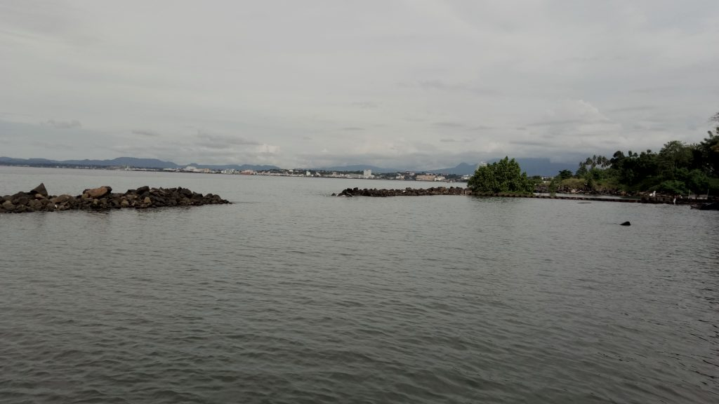 Pantai Malalayang Manado Wisata Pemandangan Kota