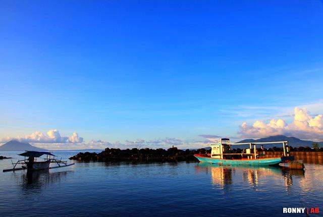 Sore Pantai Malalayang Blog Ronny Buol Satunya Perahu Sema Terpapar