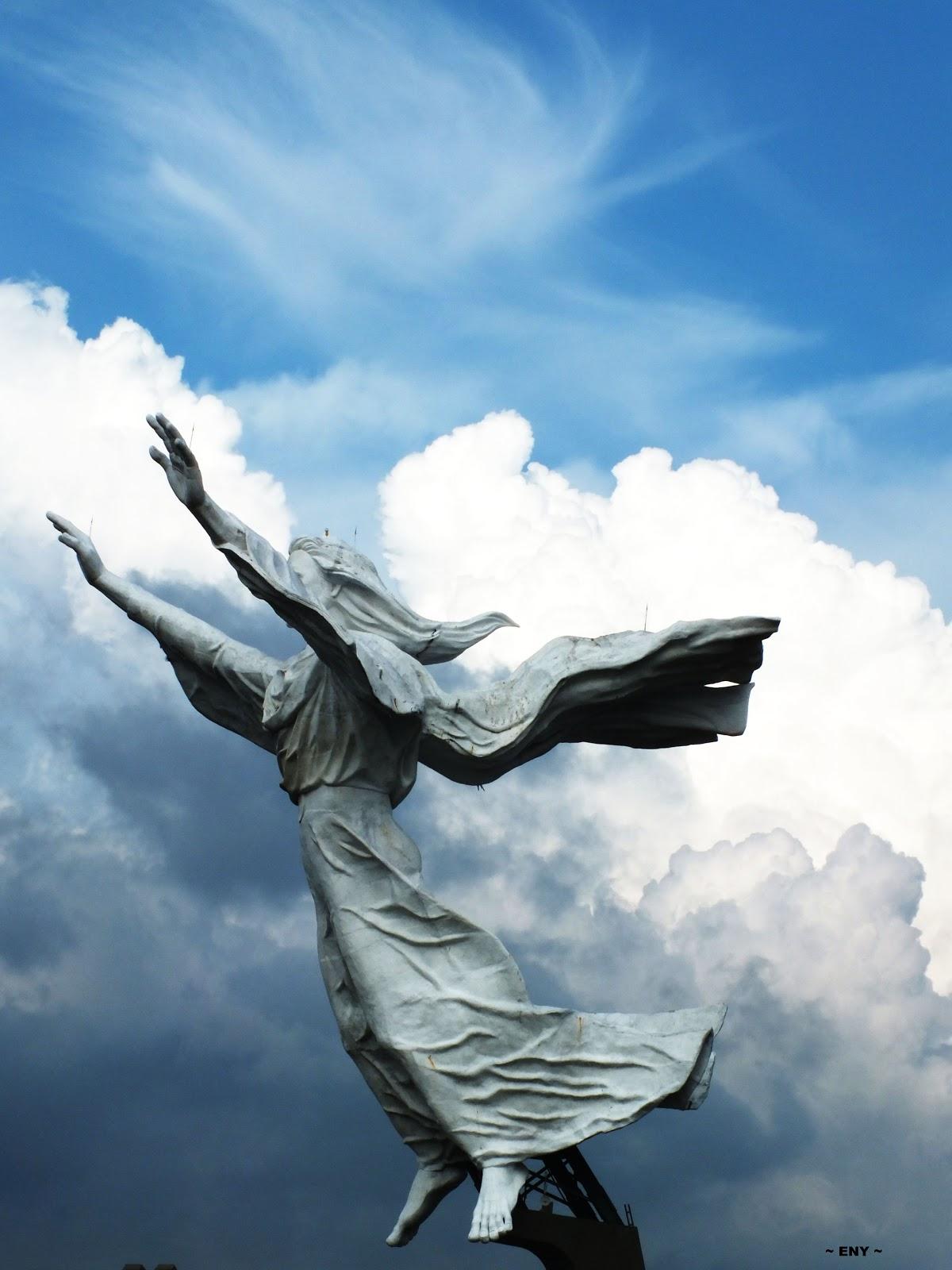 Big Fam 1986 Smak Santa Maria Malang Uniknya Monumen Yesus