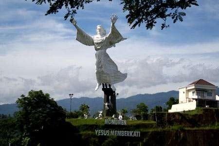 Bukan Brazil Patung Yesus Memberkati Manado Muchus Budi Detiktravel Kota