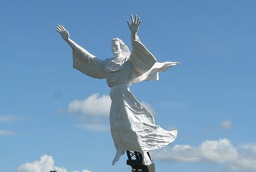 Patung Tuhanyesus Memberkati Foto Tuhan Yesus Membe Flickr Manadobox Kota