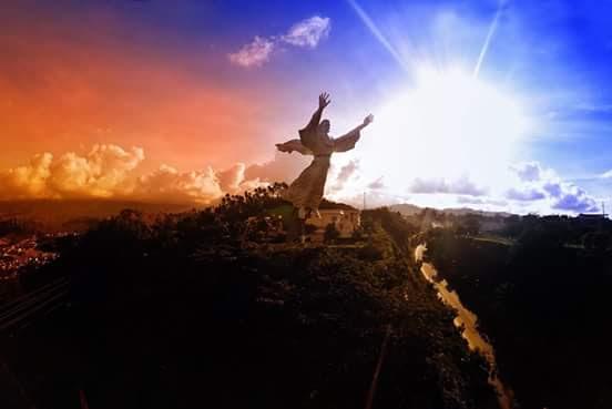 Patung Yesus Memberkati 08114370678 Sewa Rental Mobil Manado Kota