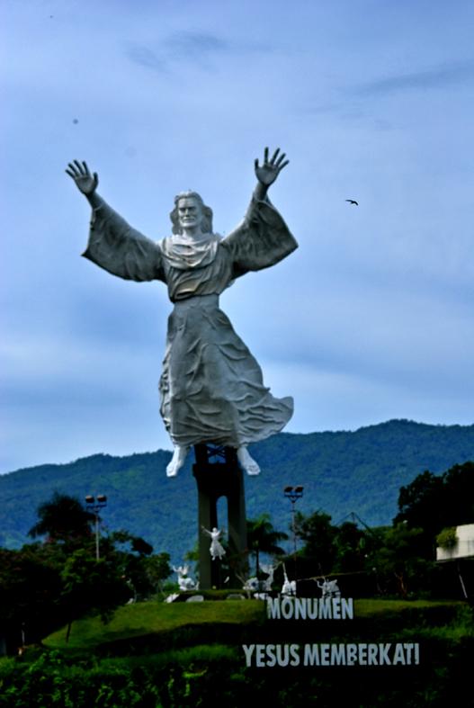 Tujuan Wisata Rohani Manado Oleh Purnawan Kristanto Kompasiana Csc 9827
