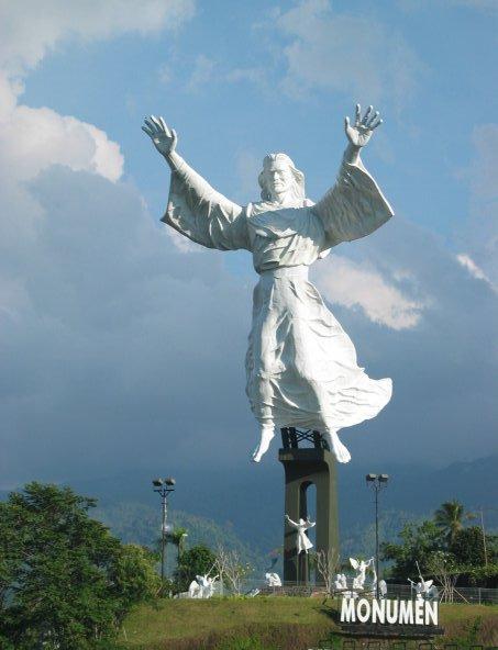 Uniknya Monumen Yesus Memberkati Manado Terletak Perumahan Mewah Citraland 15