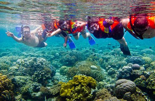 24 Tempat Wisata Manado Sulawesi Utara Layak Dikunjungi Pulau Siladen