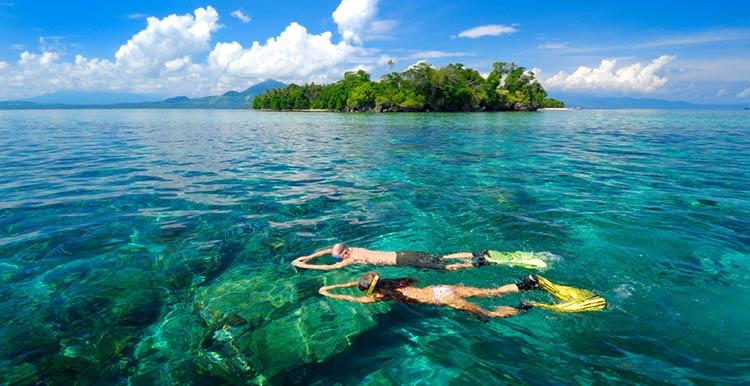 Keindahan Pulau Siladen Manado Nuansa Pasir Putih Kota