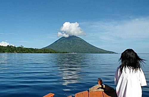 Tempat Wisata Taman Nasional Bunaken Manado Laut Kota