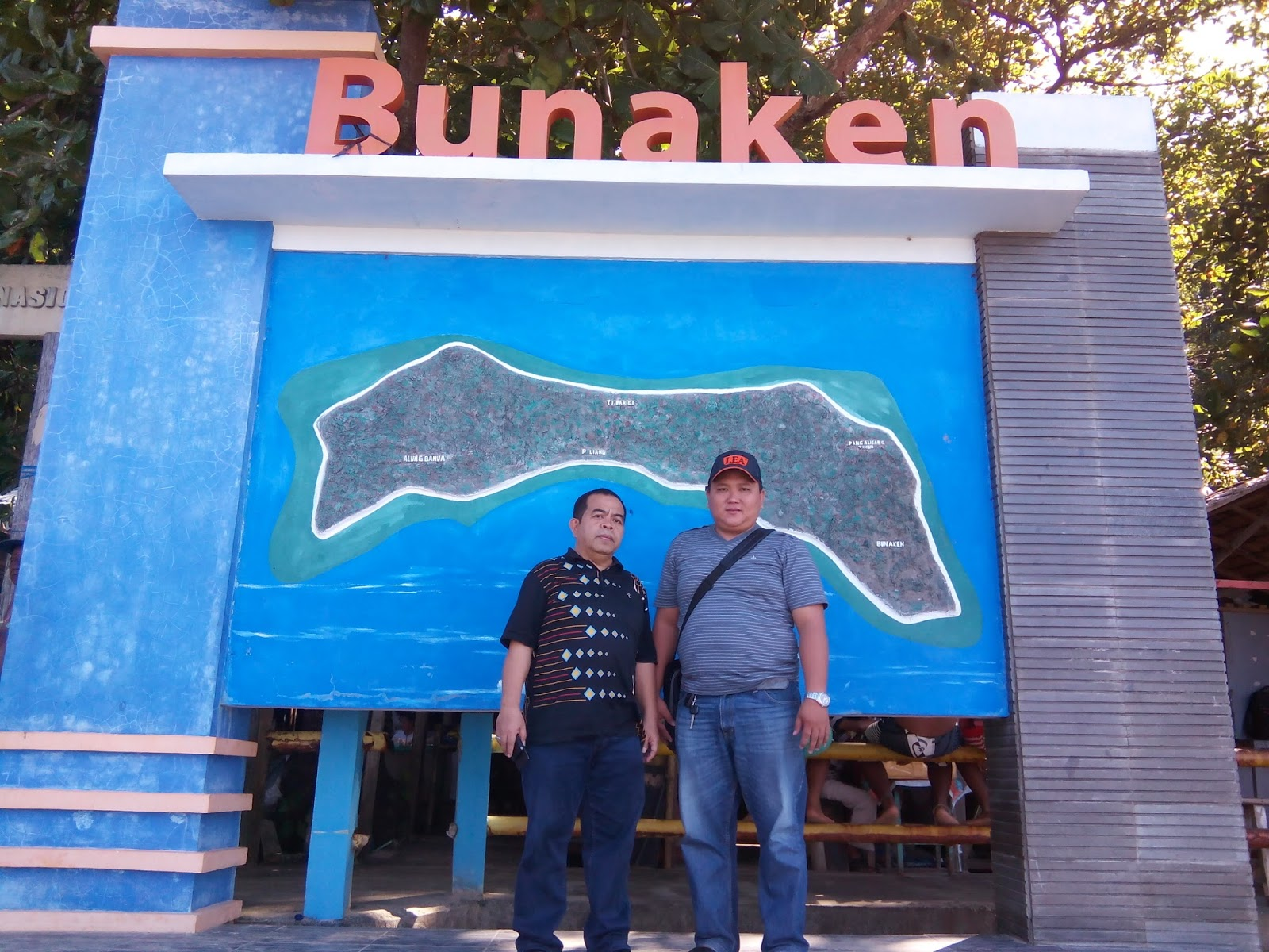 Tikanoorjaya Bunaken Pemandangan Laut Indah Sekitar Pulau Terdapat Taman Bagian