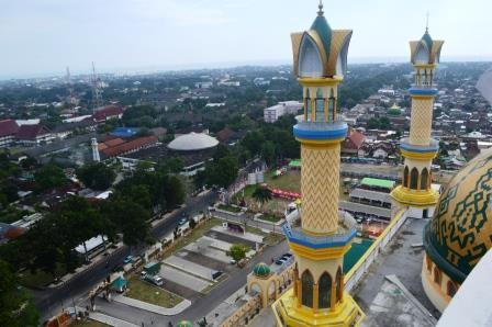 Asyik Ngabuburit Menara Masjid Hubbul Wathan Lombok Oleh Islamic Center