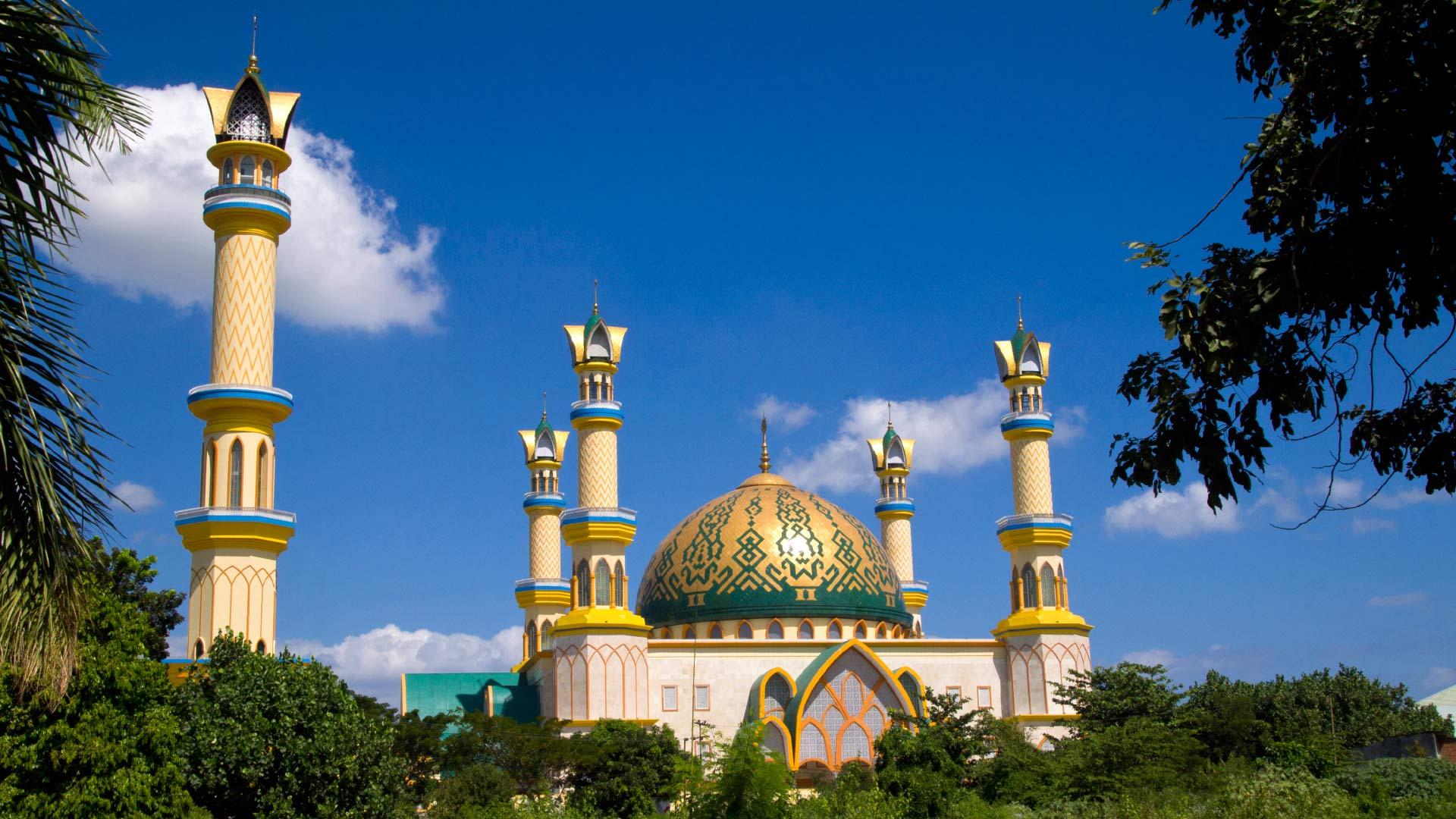 Berwisata Religi Pulau Seribu Masjid Islamic Center Kota Mataram Raya