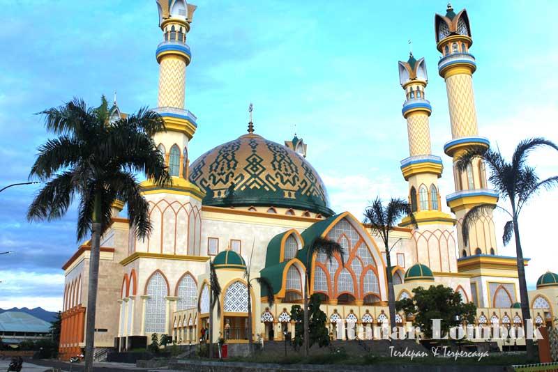 Center Gaet Wisatawan Islamic Masjid Raya Hubbul Wathan Centre Ntb