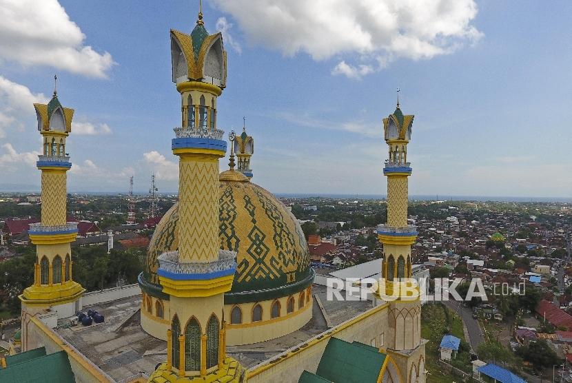 Dua Warga Kagumi Masjid Hubbul Wathan Republika Online Foto Kawasan