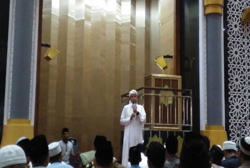 Gubernur Ntb Gelar Itikaf Perdana Masjid Hubbul Wathan Tgh Zainul