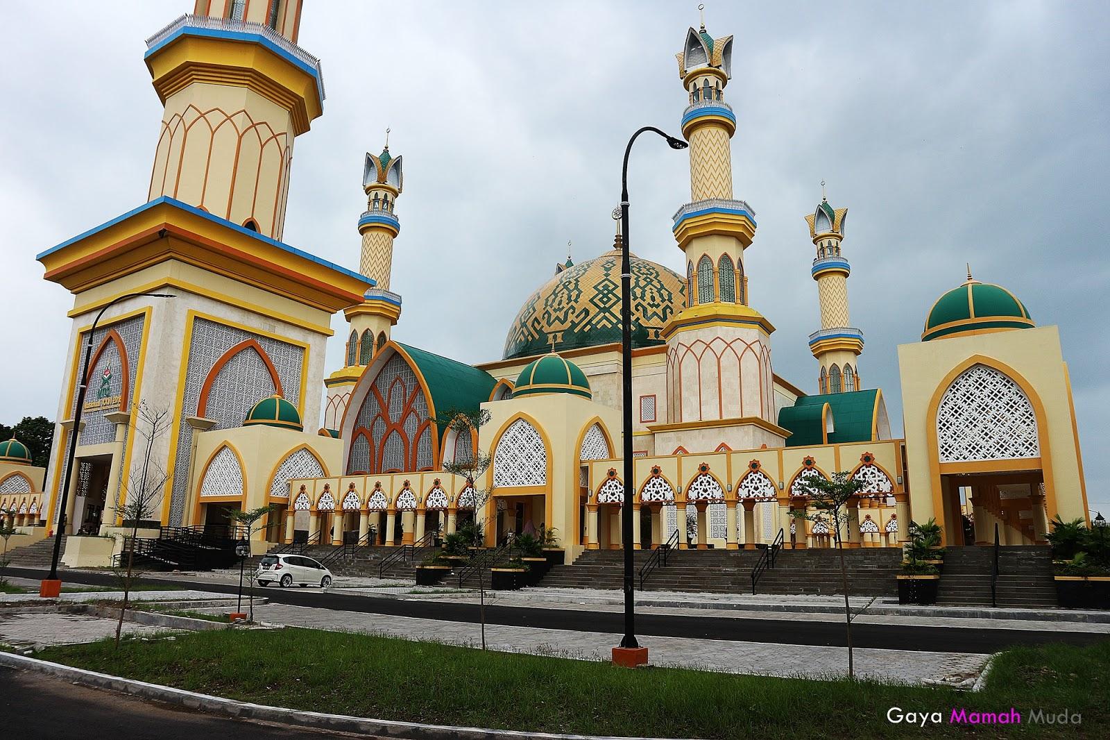 Islamic Center Mataram Masjid Terindah Termegah Lombok Gaya Raya Hubbul