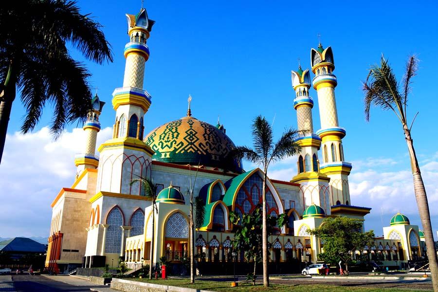 Islamic Center Mataram Simbol Keberagaman Lombok Masjid Raya Hubbul Wathan