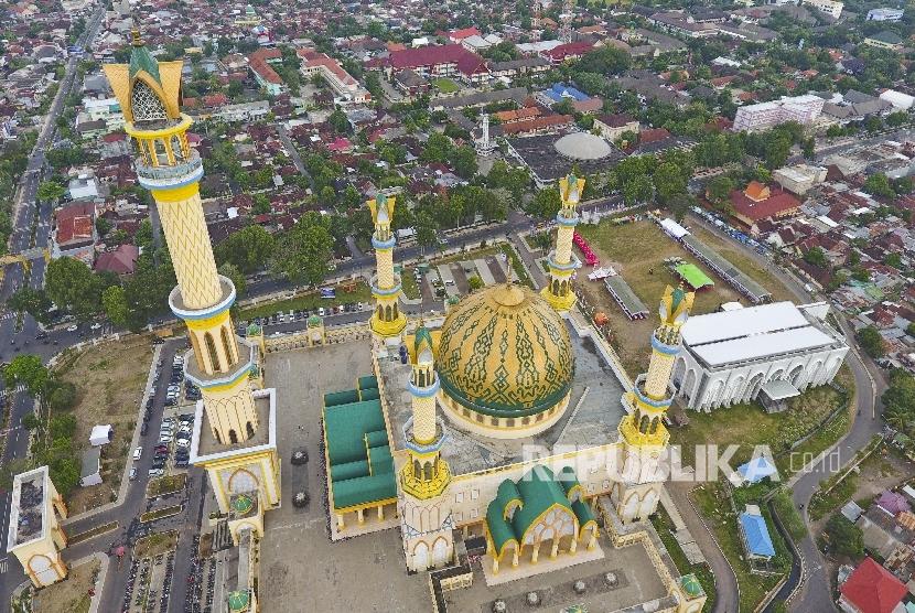 Islamic Center Ntb Jadi Destinasi Favorit Selama Ramadhan Foto Kawasan