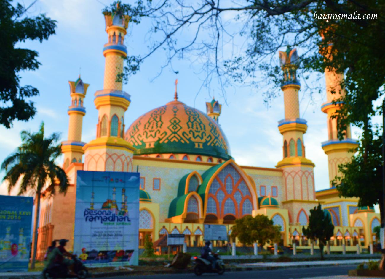 Islamic Center Ntb Pelengkap Keindahan Pulau Seribu Masjid Baiqrosmala Raya
