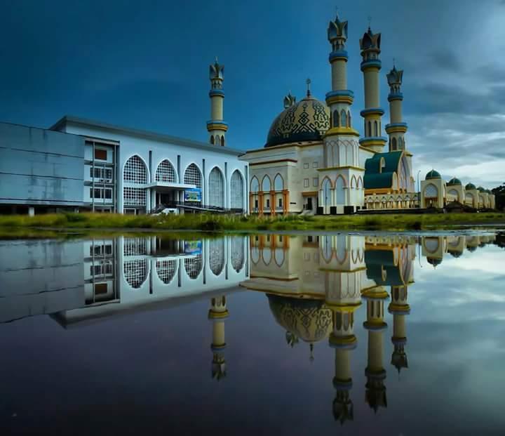 Jamaah Shalat Tarawih Pertama Masjid Hubbul Wathan Membeludak Islamic Center