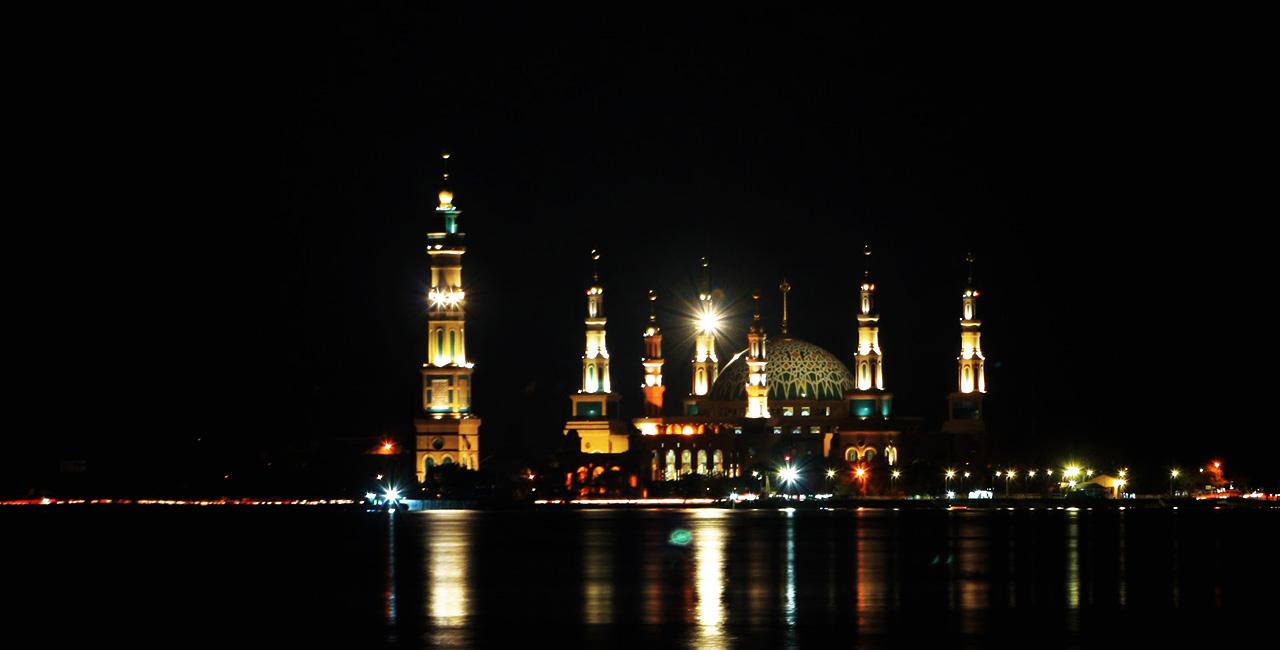 Landmark Pulau Lombok Gerbang Wisata Tour Adventure Masjid Raya Hubbul