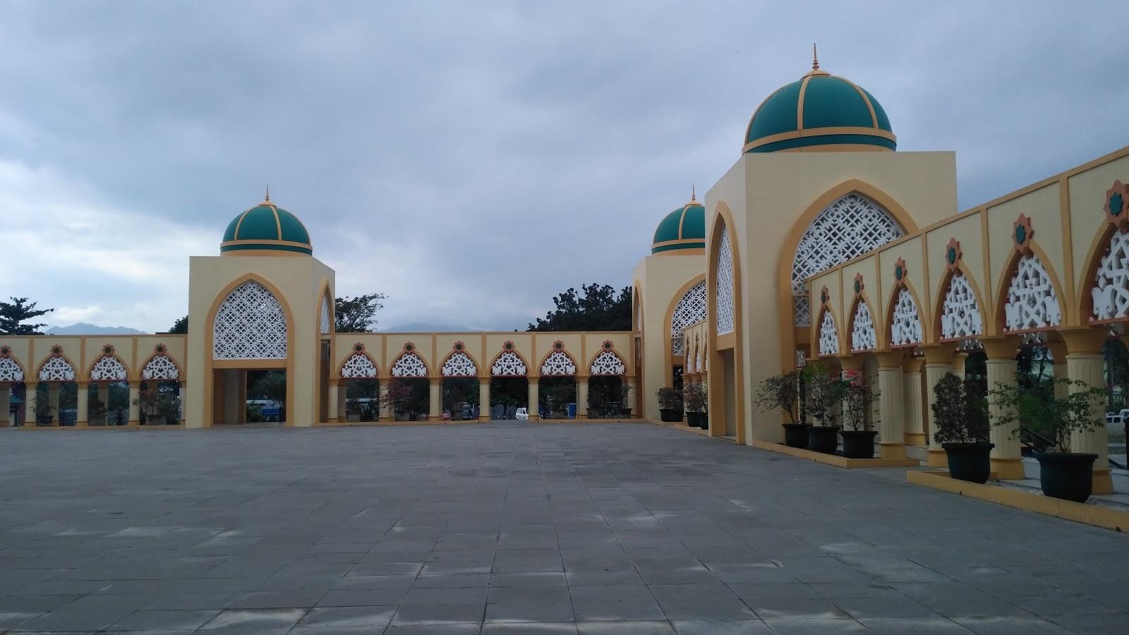 Masjid Hubbul Wathan Islamic Center Ntb Masyarakat Muslim Lombok Membangun