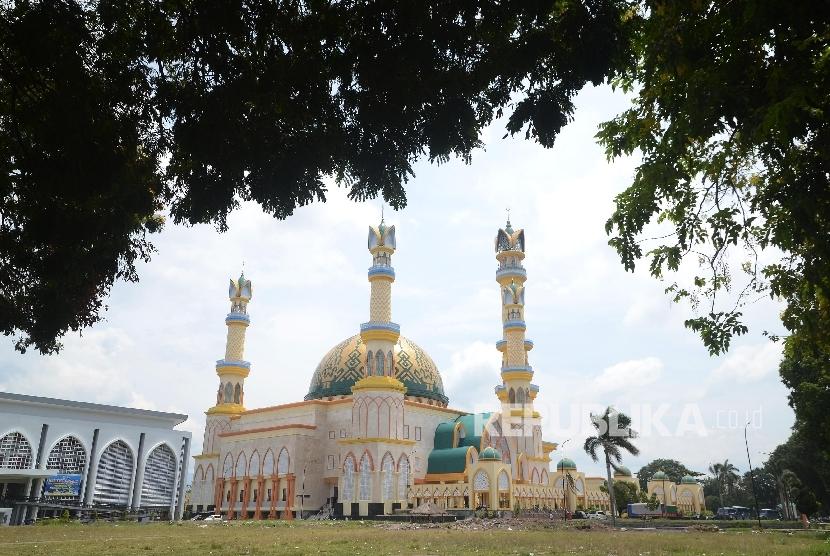 Persiapan Islamic Center Ntb Menyambut Bulan Suci Ramadhan Suasana Masjid
