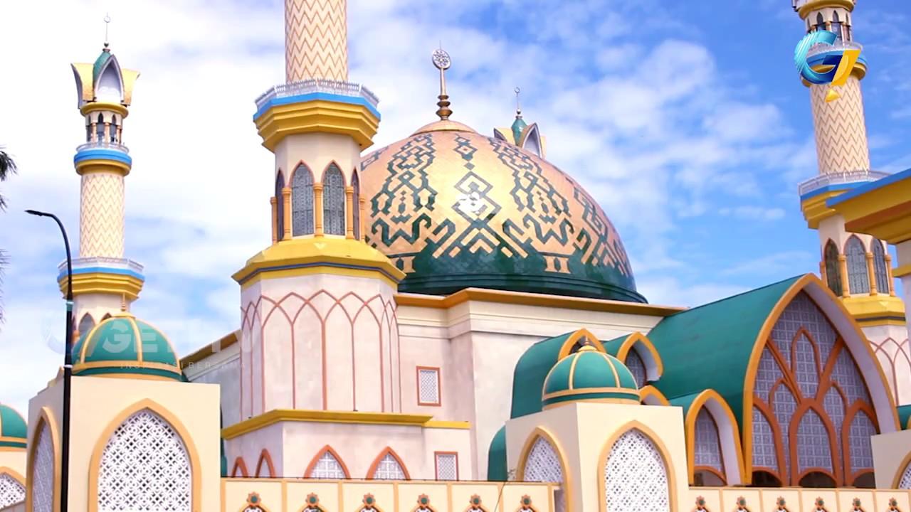 Pesona Masjid Hubbul Wathan Islamic Center Lombok Youtube Raya Centre