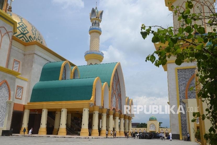 Shalat Idul Fitri Ntb Dipusatkan Islamic Center Republika Online Masjid