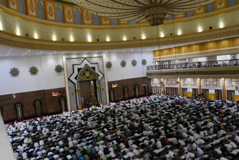 Ulama Mesir Yordania Imami Tarawih Islamic Center Ntb Warga Nusa