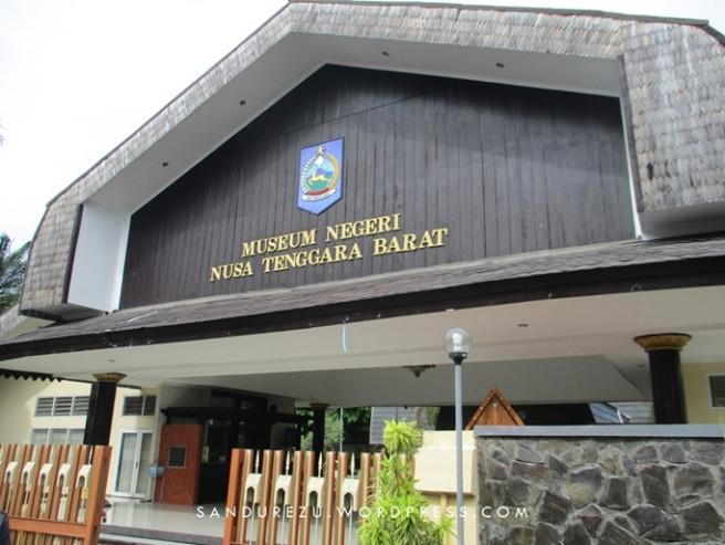 Akhir Perjalanan Lombok Pantai Senggigi Museum Ntb Koleksi Cukup Lengkap