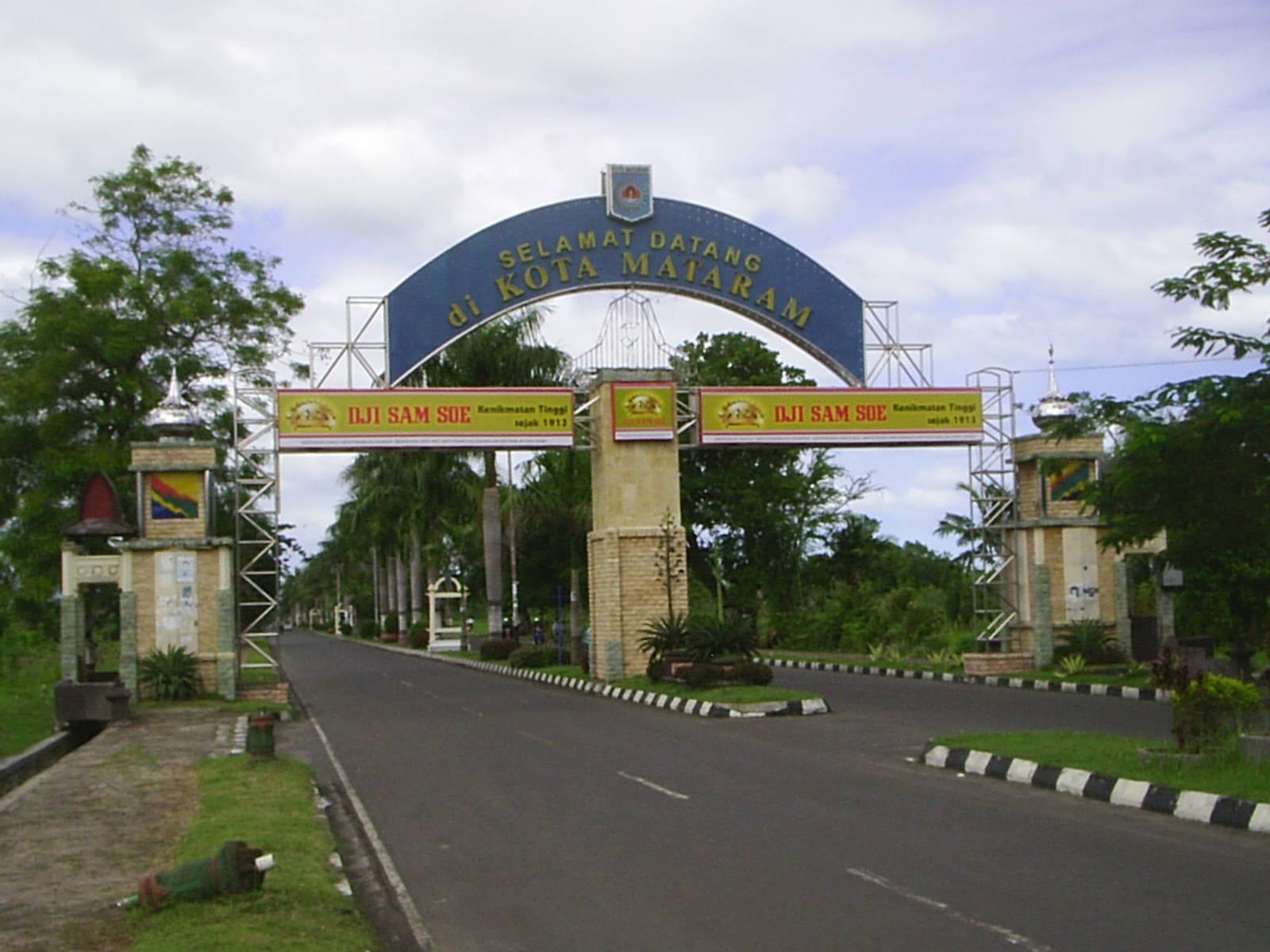 Cities Lombok Paradise Island Main Ampenan Mataram Cakranegara Expand Years