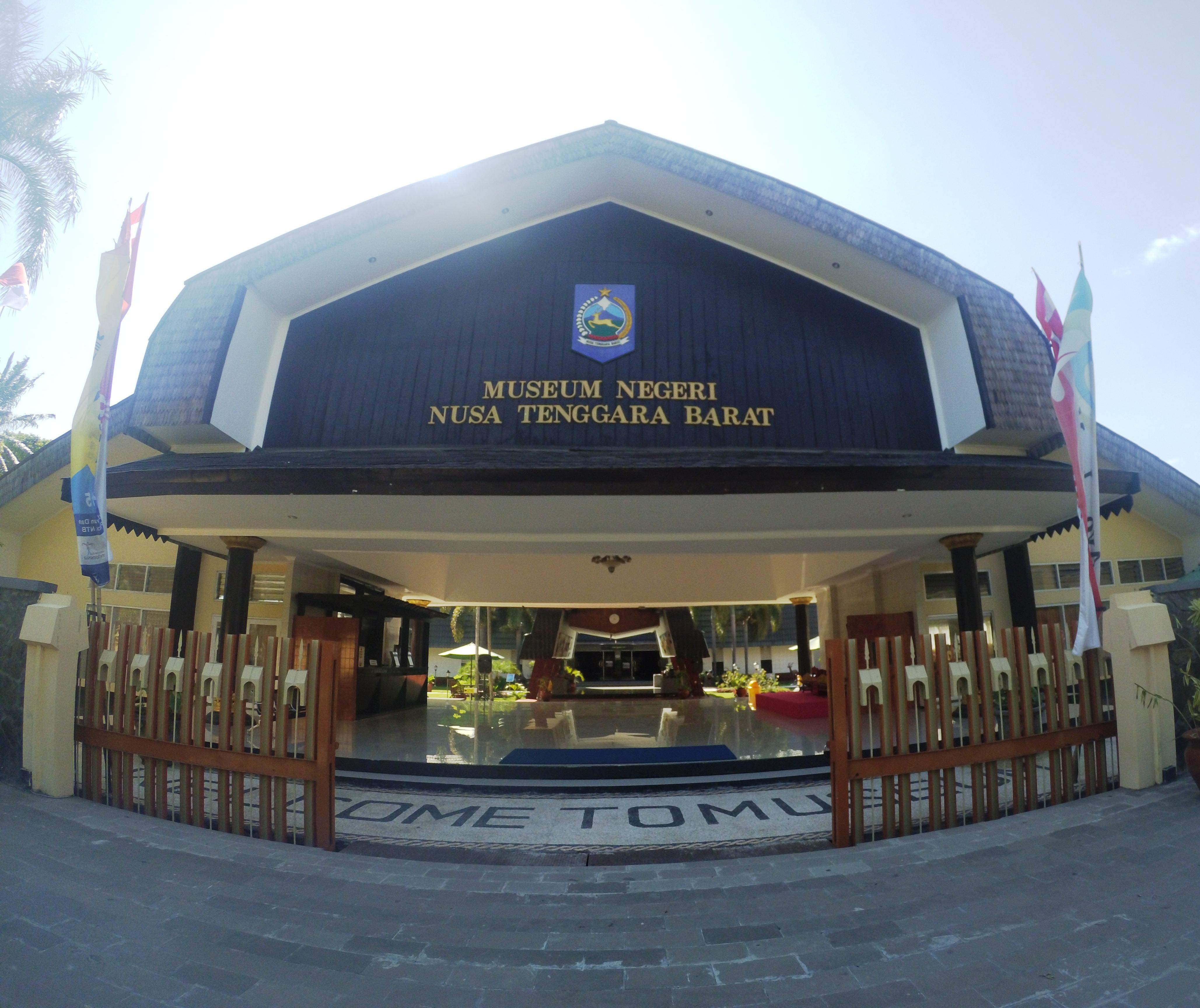 Dong Ayok Museum Negeri Nusa Tenggara Barat Devi Nasution Https