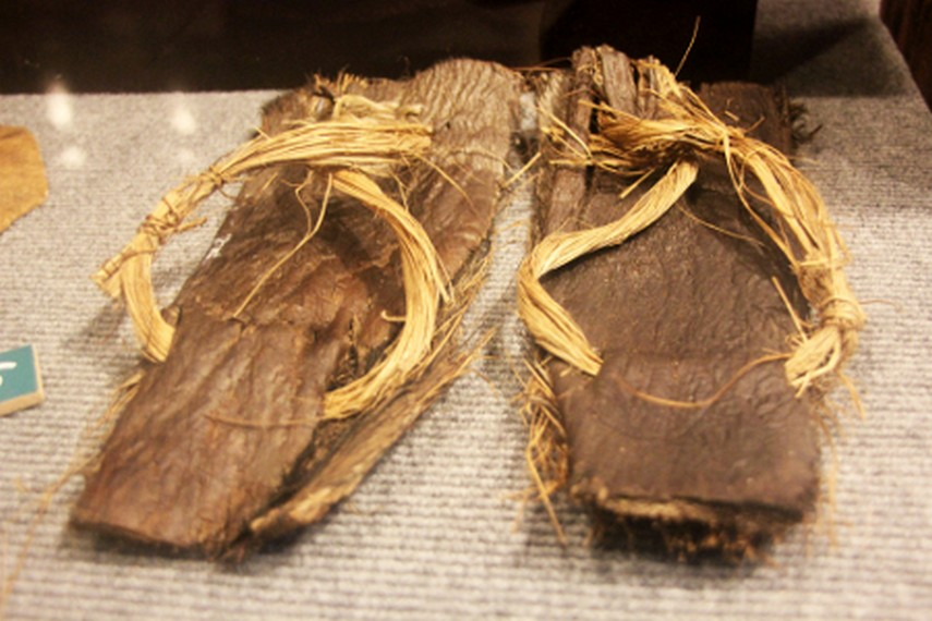 Menambah Wawasan Museum Negeri Nusa Tenggara Barat Lombok Sandal Tradisional