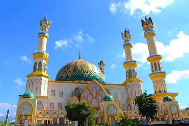 Sehari Mataram 8 Tempat Wisata Wajib Dikunjungi Traveling Yuk Museum