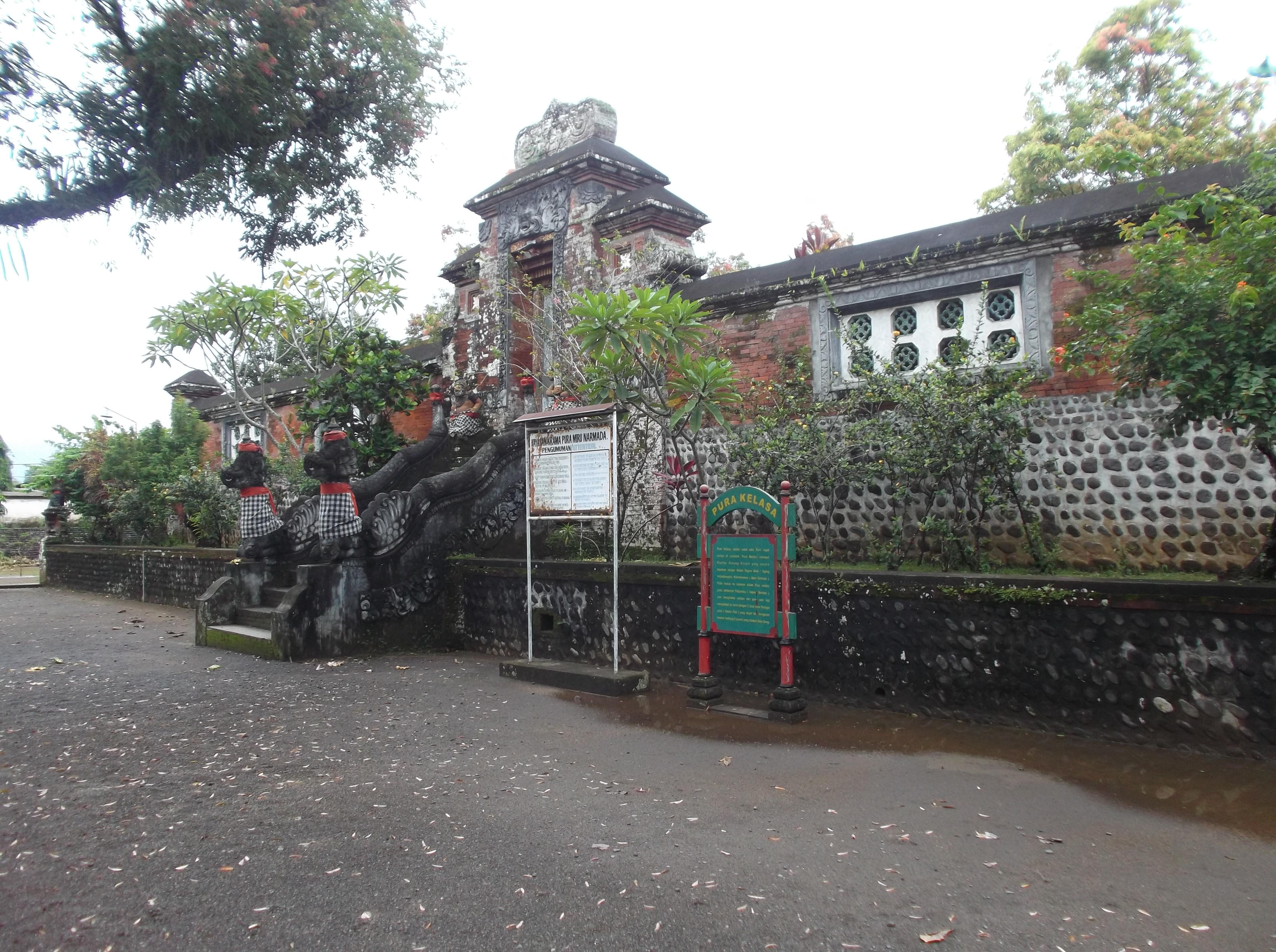 Berkunjung Kota Mataram Pulau Lombok Bagian 1 Taman Pura Kelasa